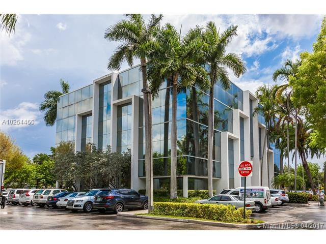 16855 NE 2 AV   S305, North Miami Beach, FL 33162