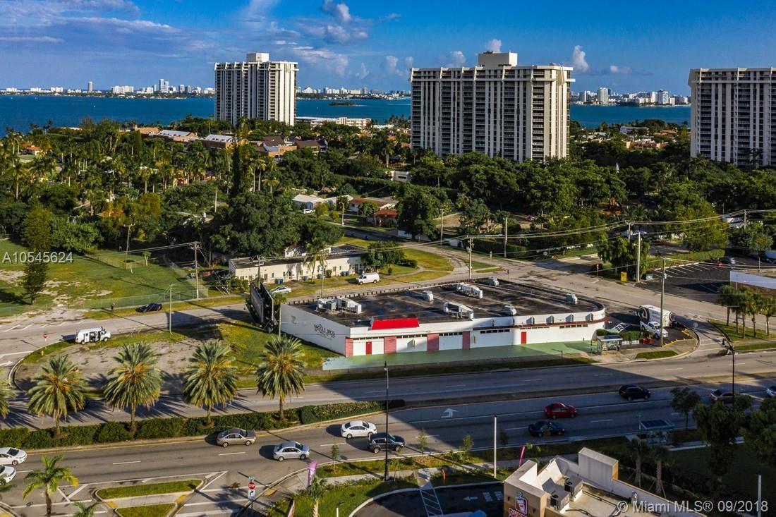 10801  Biscayne Blvd, Miami, FL 33161