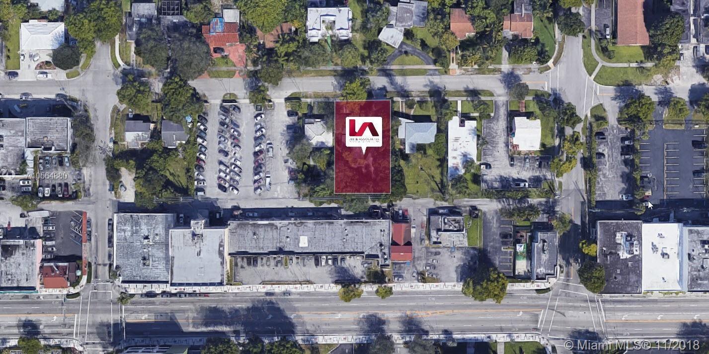 946 NE 126th St, North Miami, FL 33161