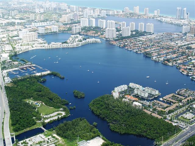 17200  Biscayne Boulevard, Miami, FL 33160