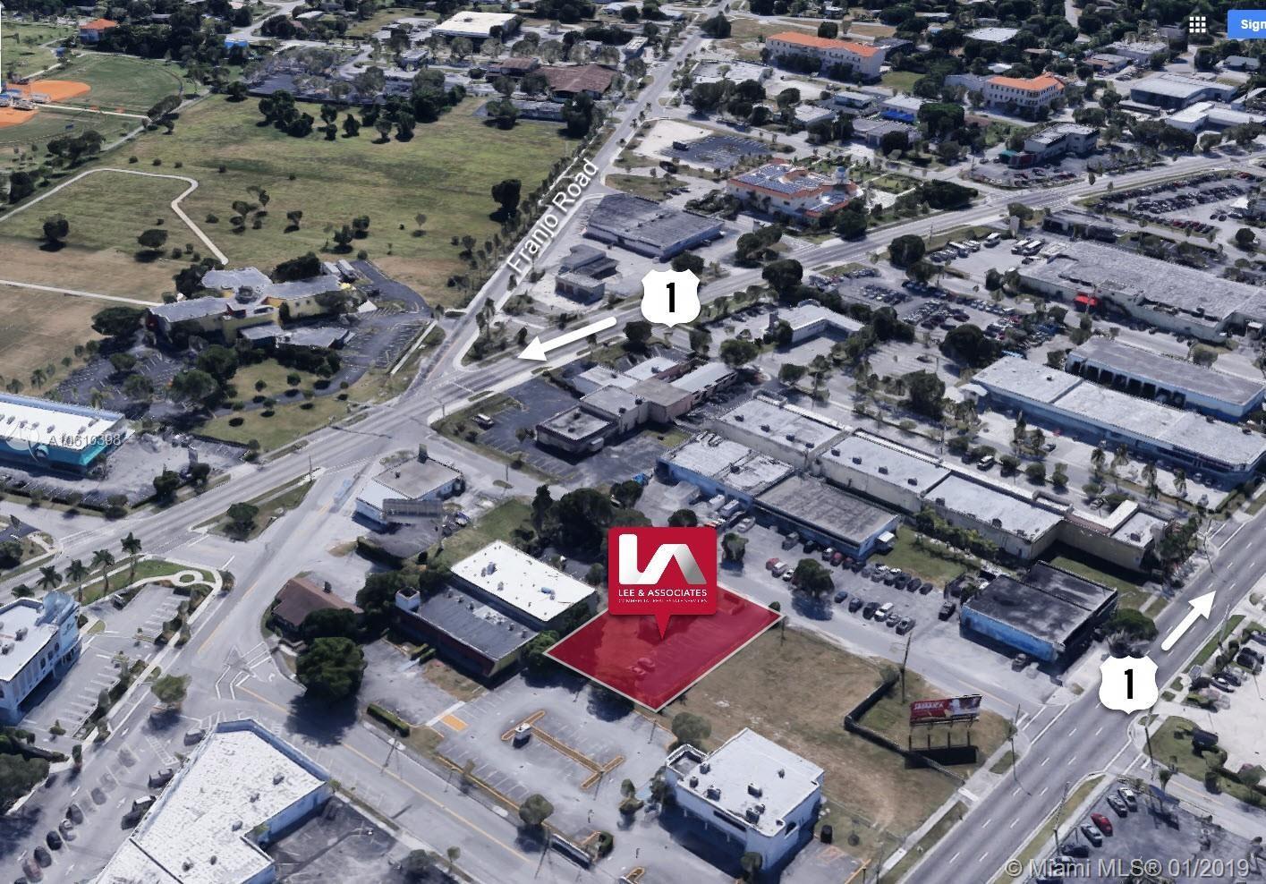 9851 E Evergreen St, Palmetto Bay, FL 33157