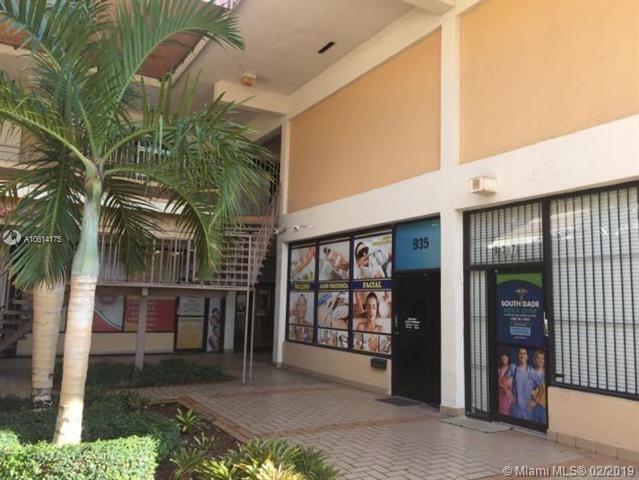 935 SW 122nd Ave, Miami, FL 33184