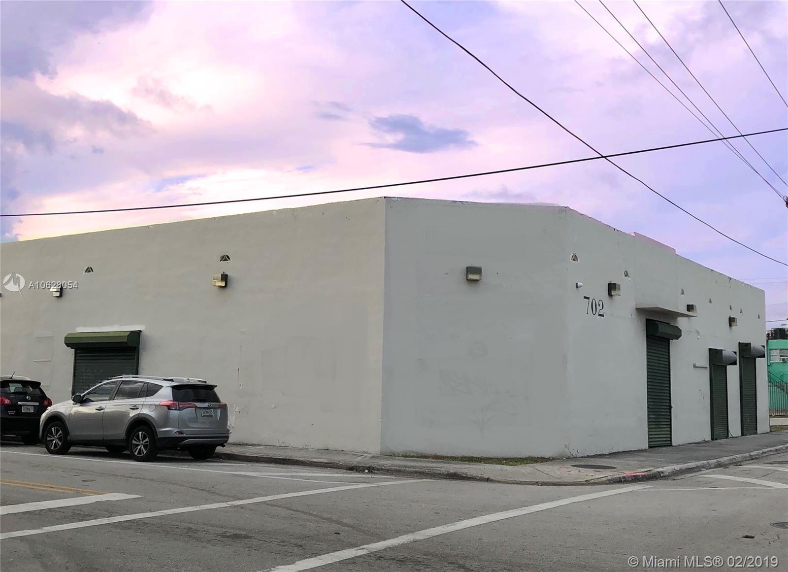 702 NW 5th ST, Miami, FL 33130