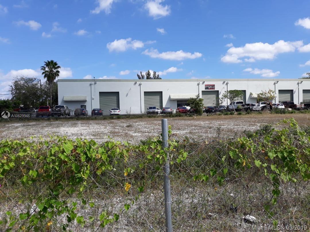88 Av NW 119 St, Hialeah Gardens, FL 33018