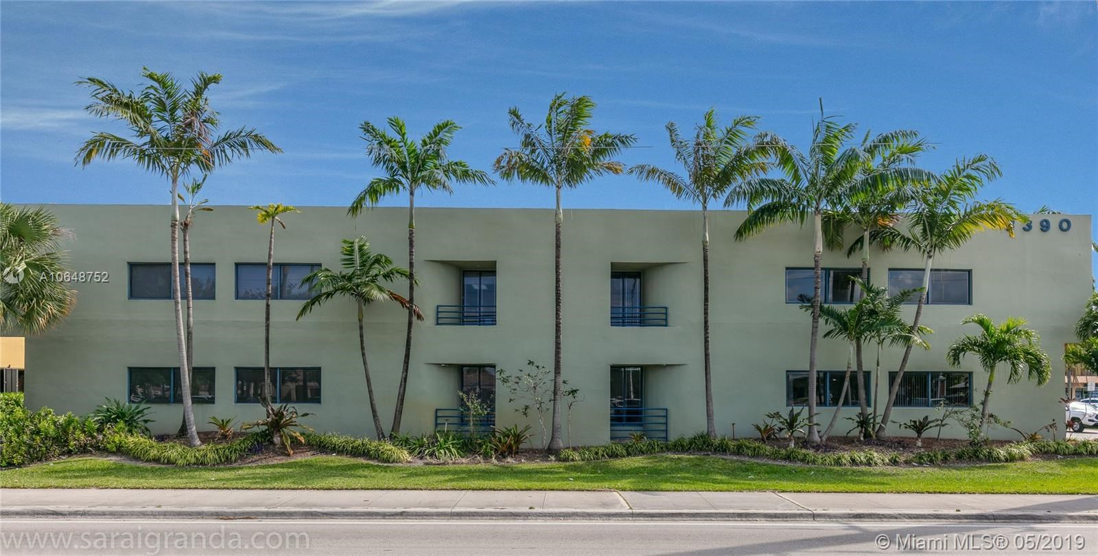 8390 W Flagler St, Miami, FL 33144