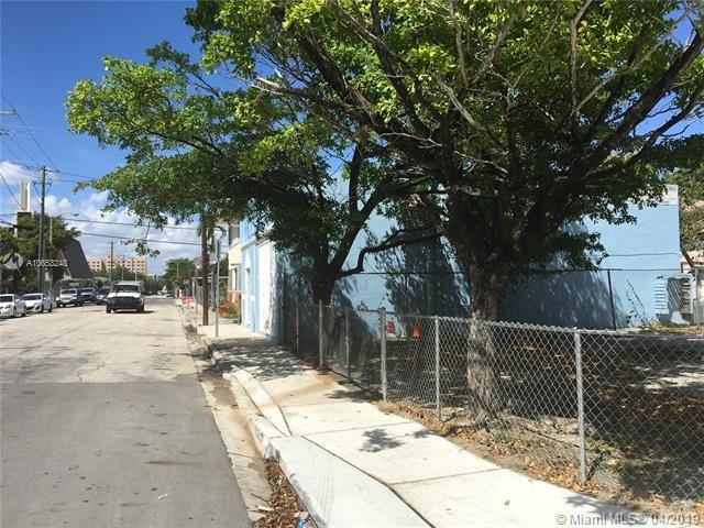 867 SW 1st St, Miami, FL 33130