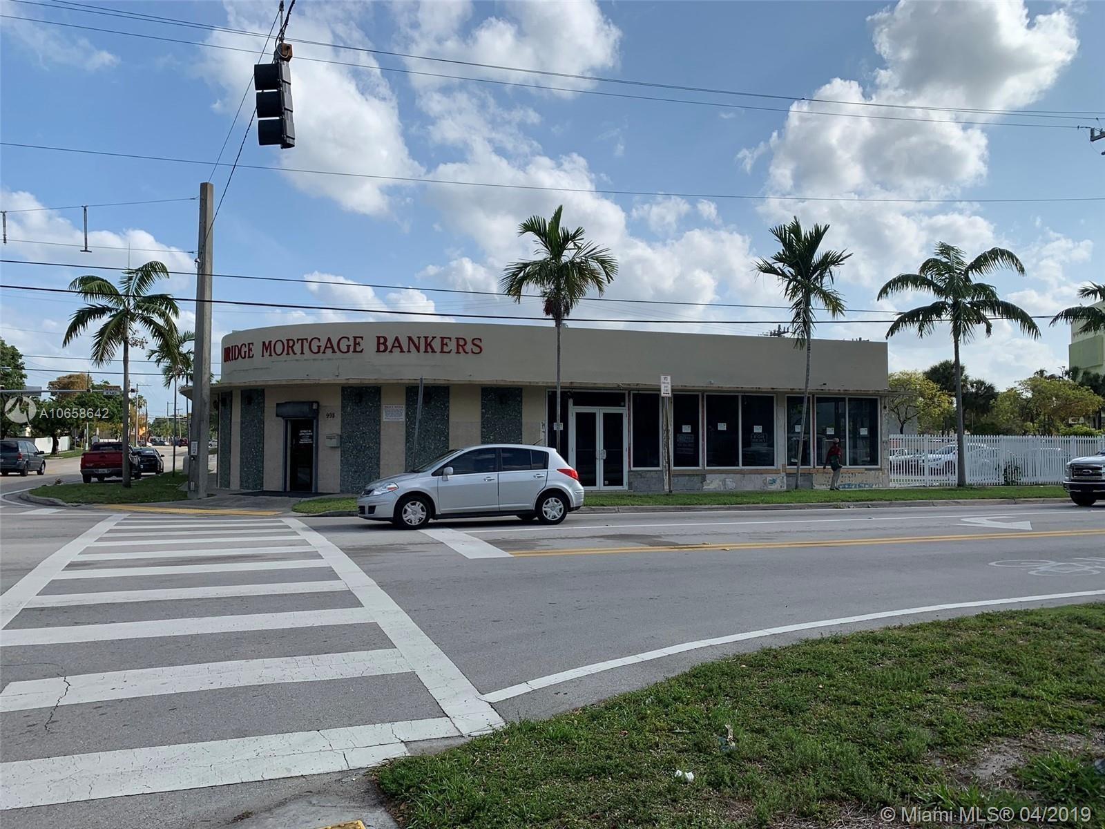 992 NE 167th St, North Miami Beach, FL 33162