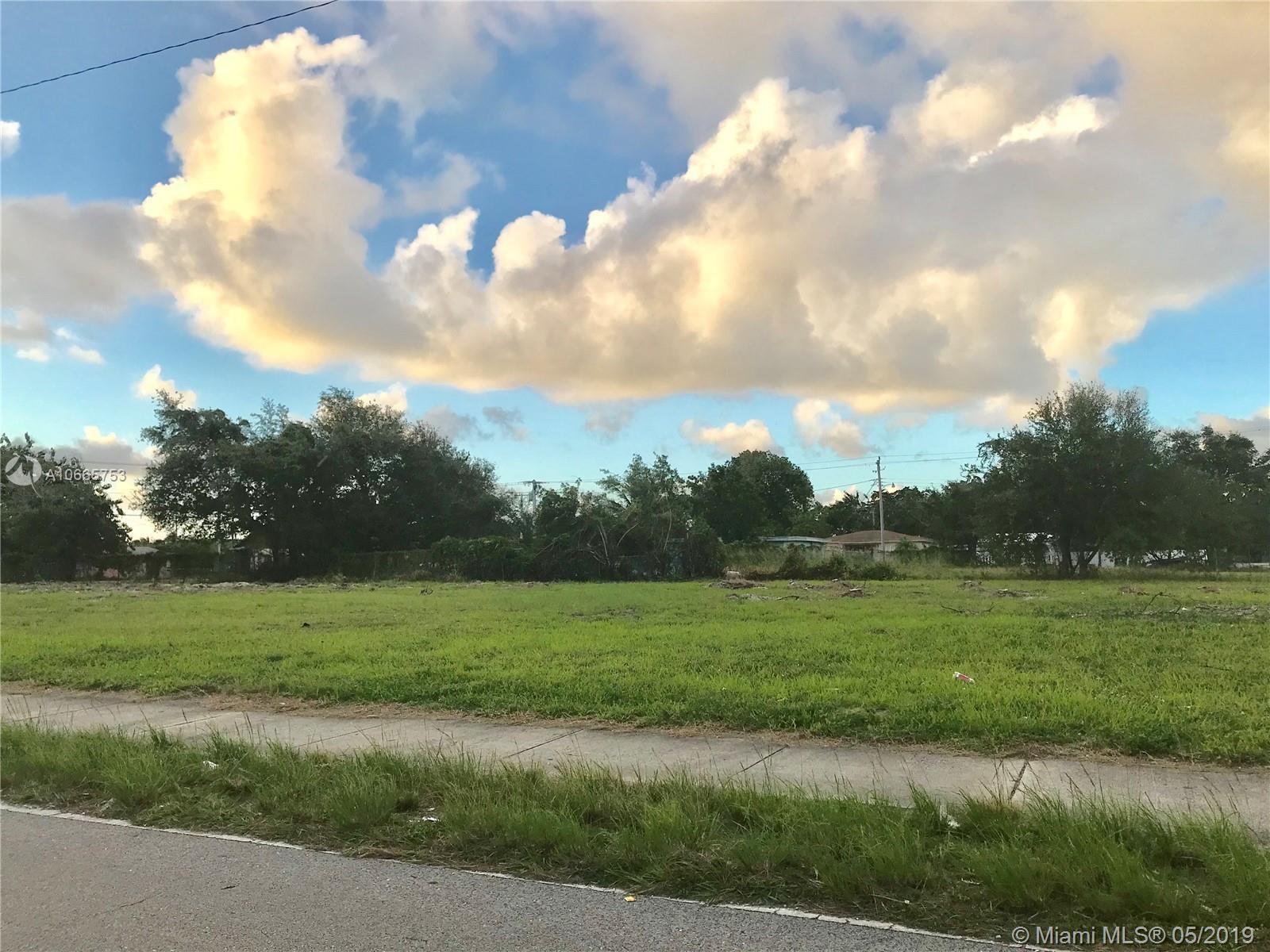 2075 NW 75th St, Miami, FL 33147