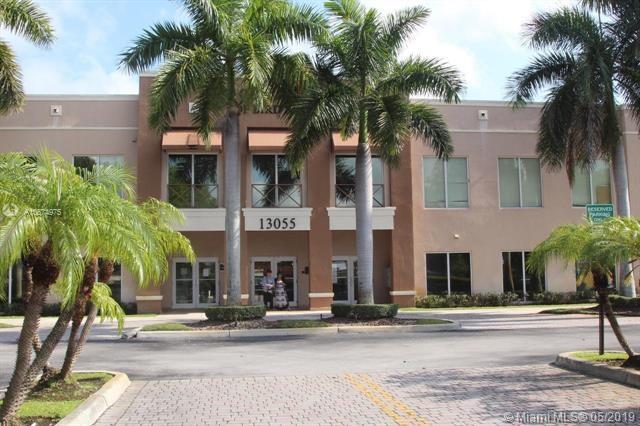 13055 SW 42nd St   101/102, Miami, FL 33175