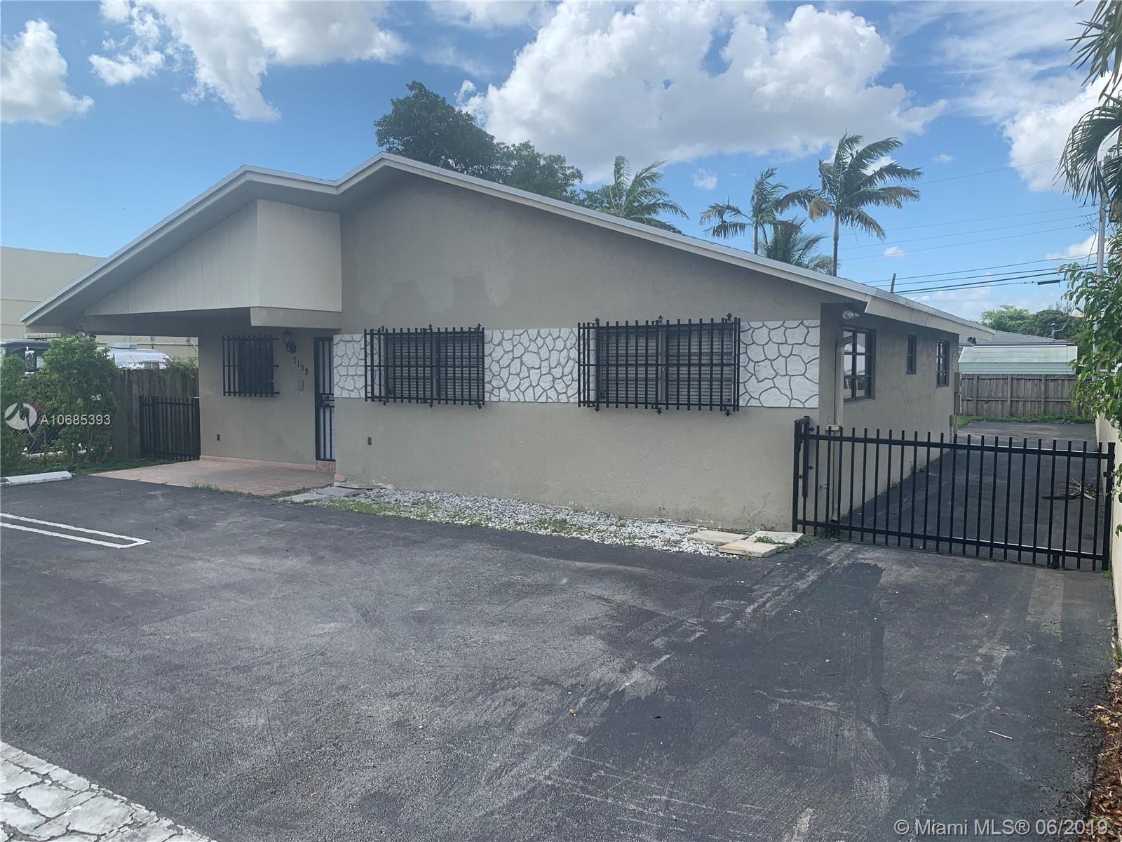7135 SW 44 St, Miami, FL 33155