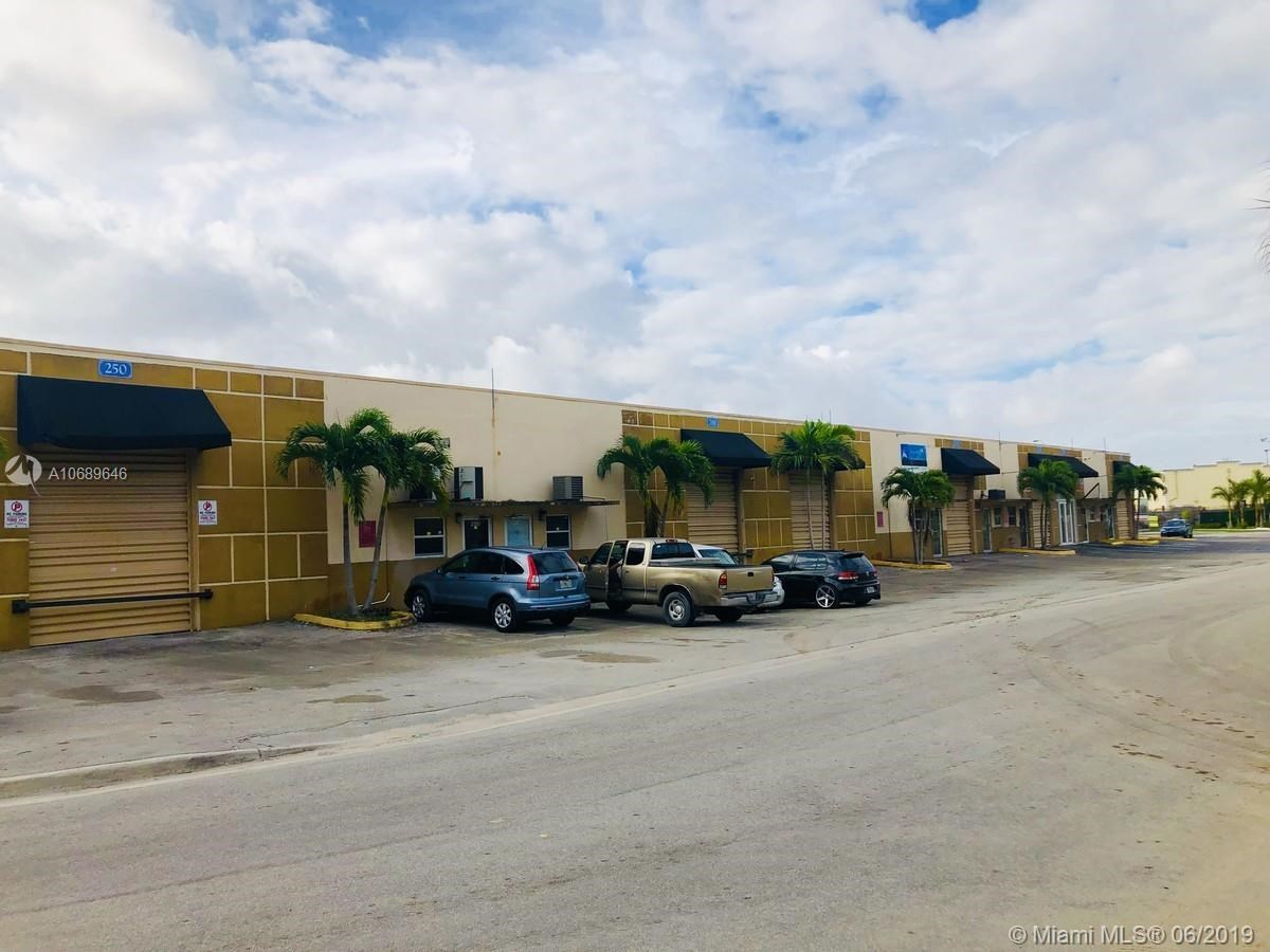 270 W 79th Pl   270, Hialeah, FL 33014