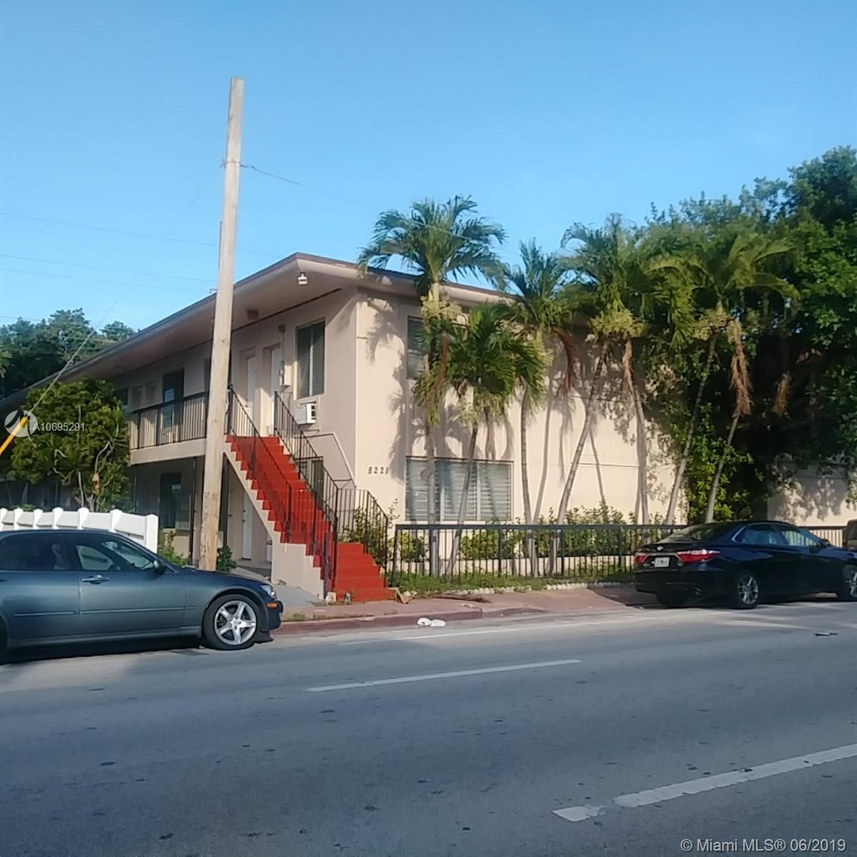8215  Harding Ave, Miami Beach, FL 33141