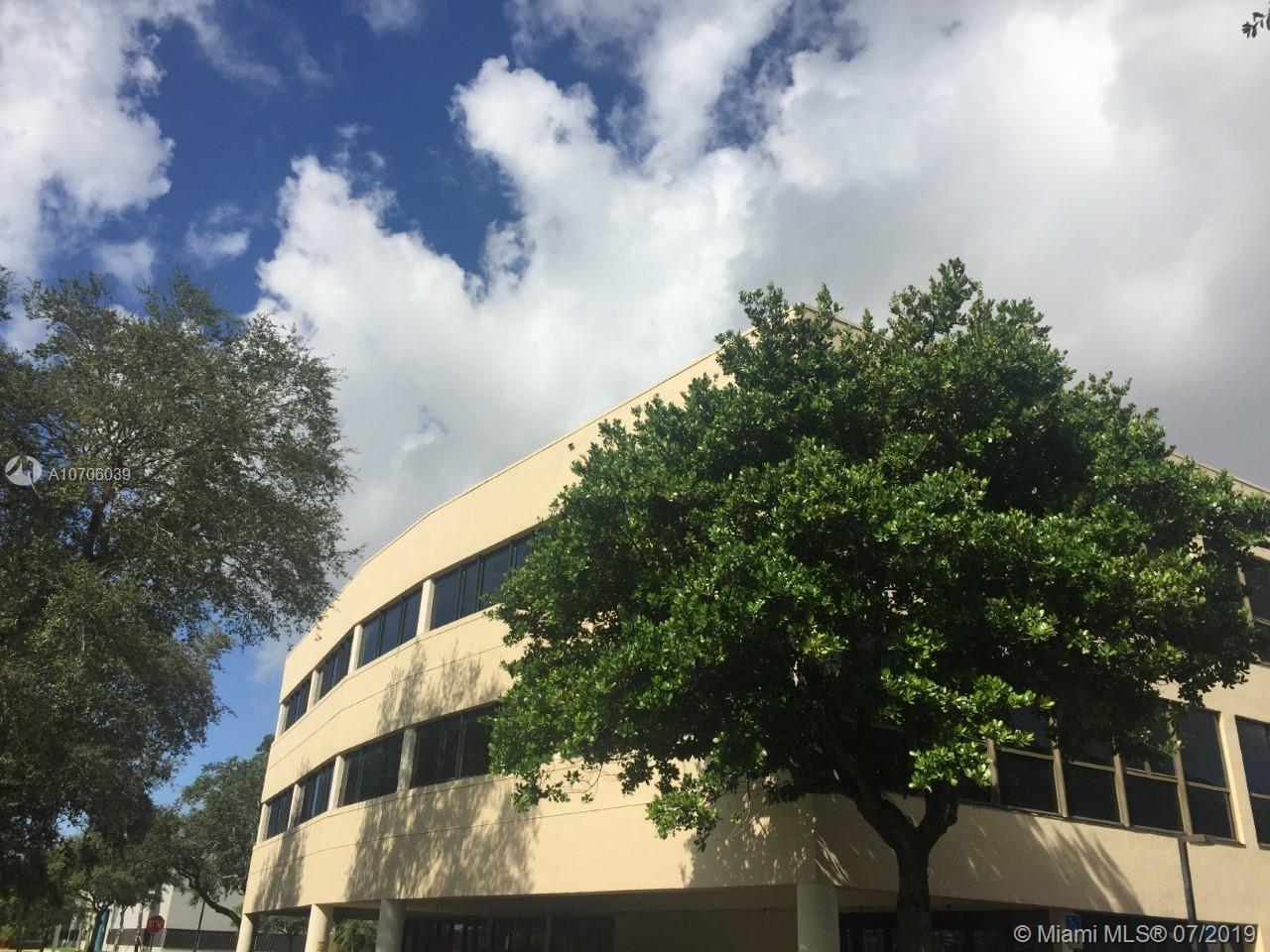 14100  Palmetto Frontage Rd, Miami Lakes, FL 33016
