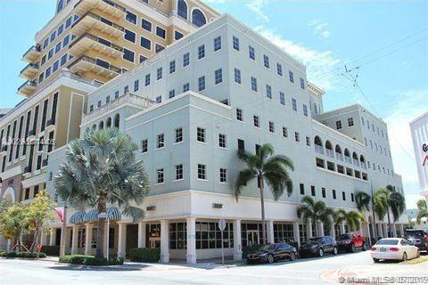 2000  Ponce De Leon Blvd, Coral Gables, FL 33134
