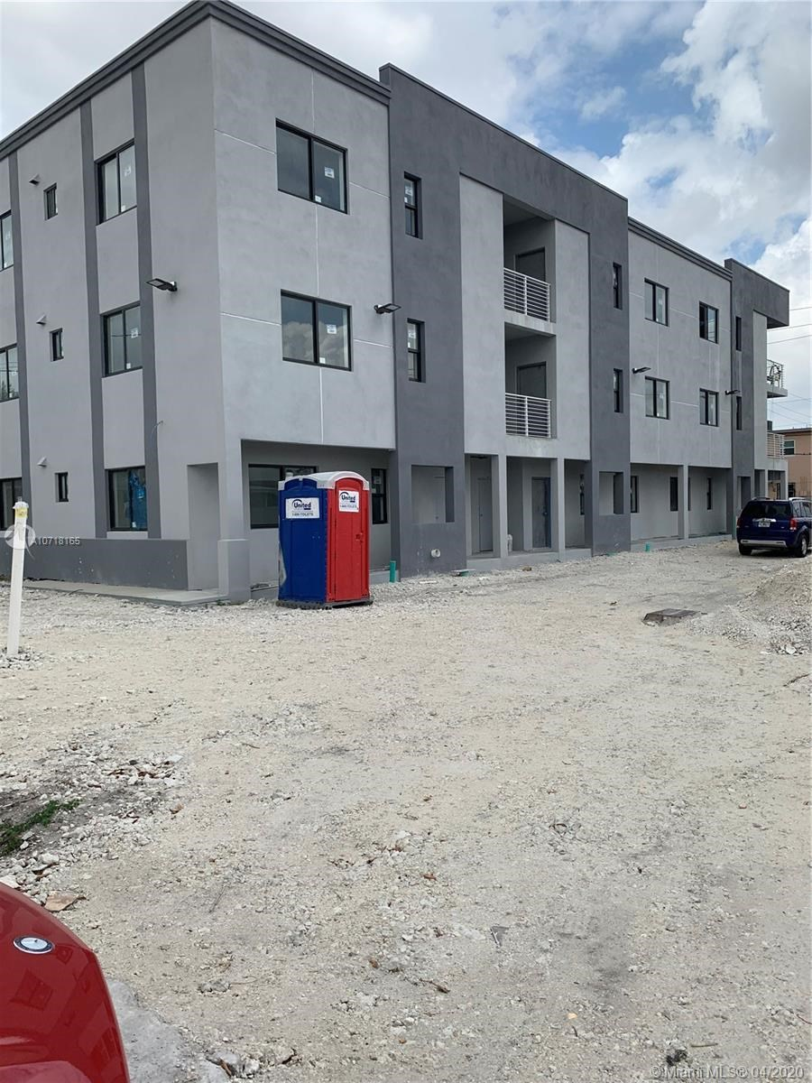 423 E 27th st 9 units 2/2 UC, Hialeah, FL 33013