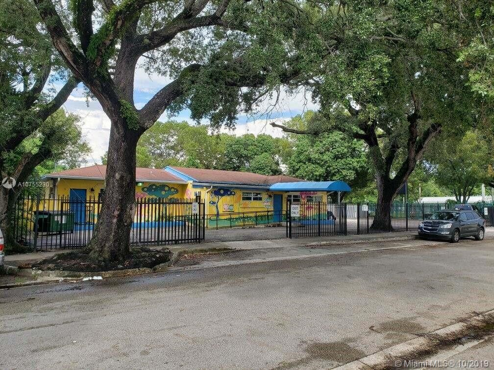 231 NW 52nd St, Miami, FL 33127