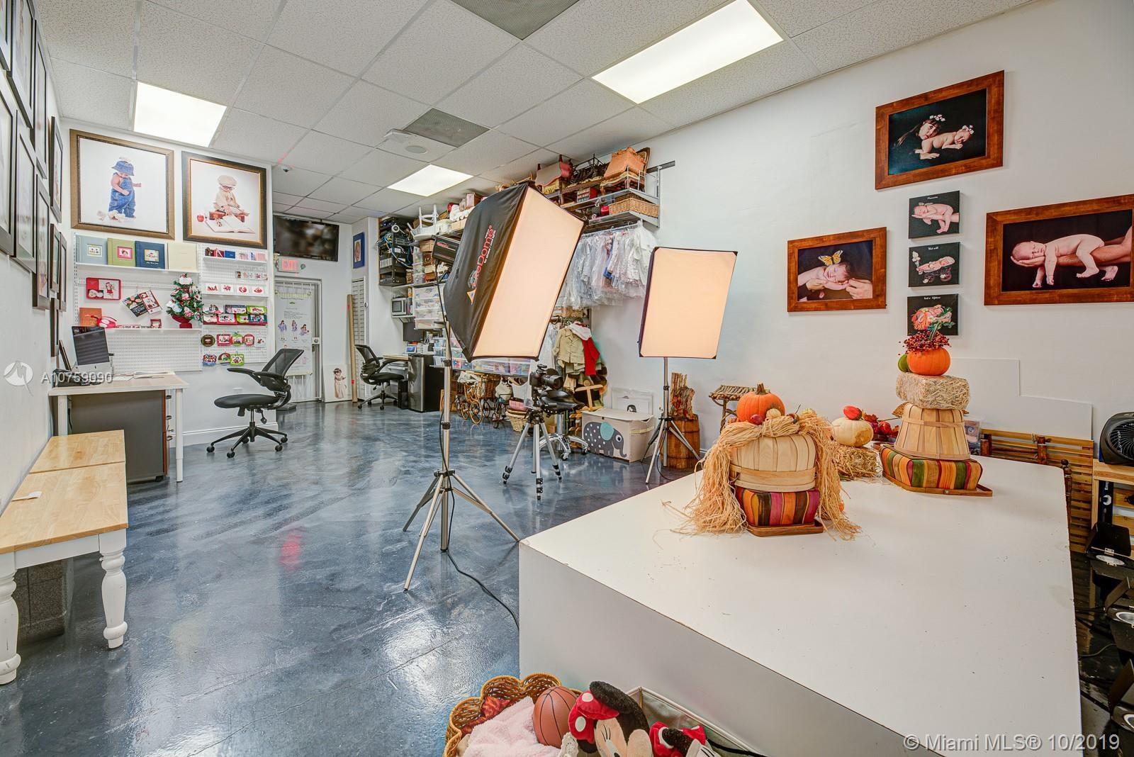 Baby Boutique /  Photo Studio, Miami, FL 33155