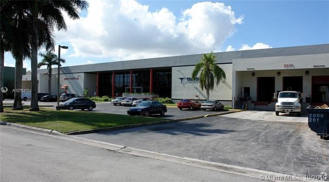 2210 NW 92 Ave, Doral, FL 33172