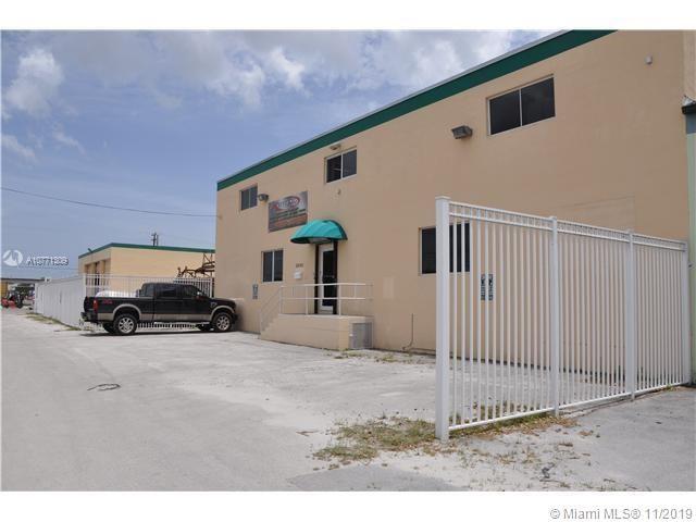 2930 NW 72nd St, Miami, FL 33147