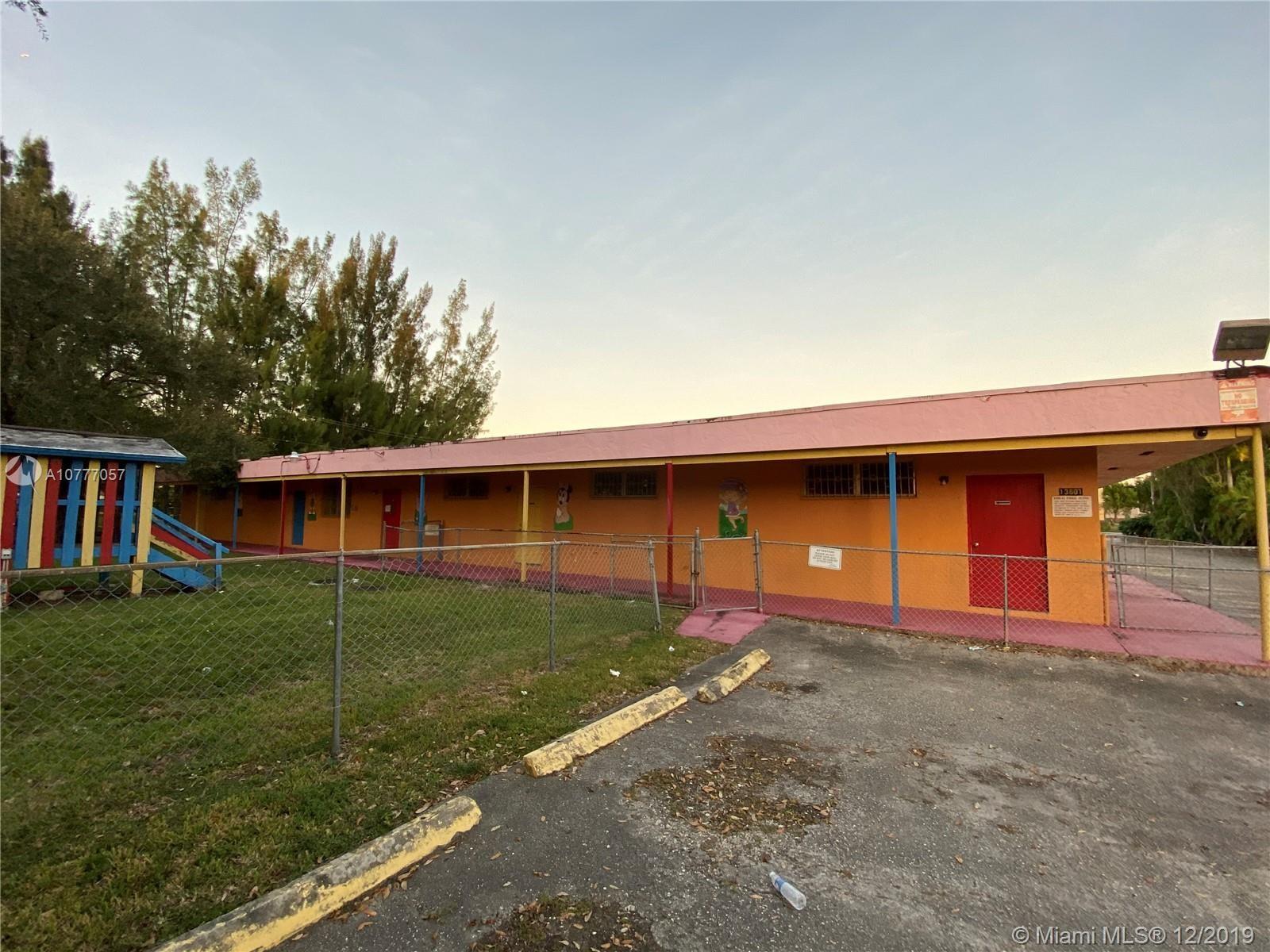 13801  Memorial Hwy, Miami, FL 33161
