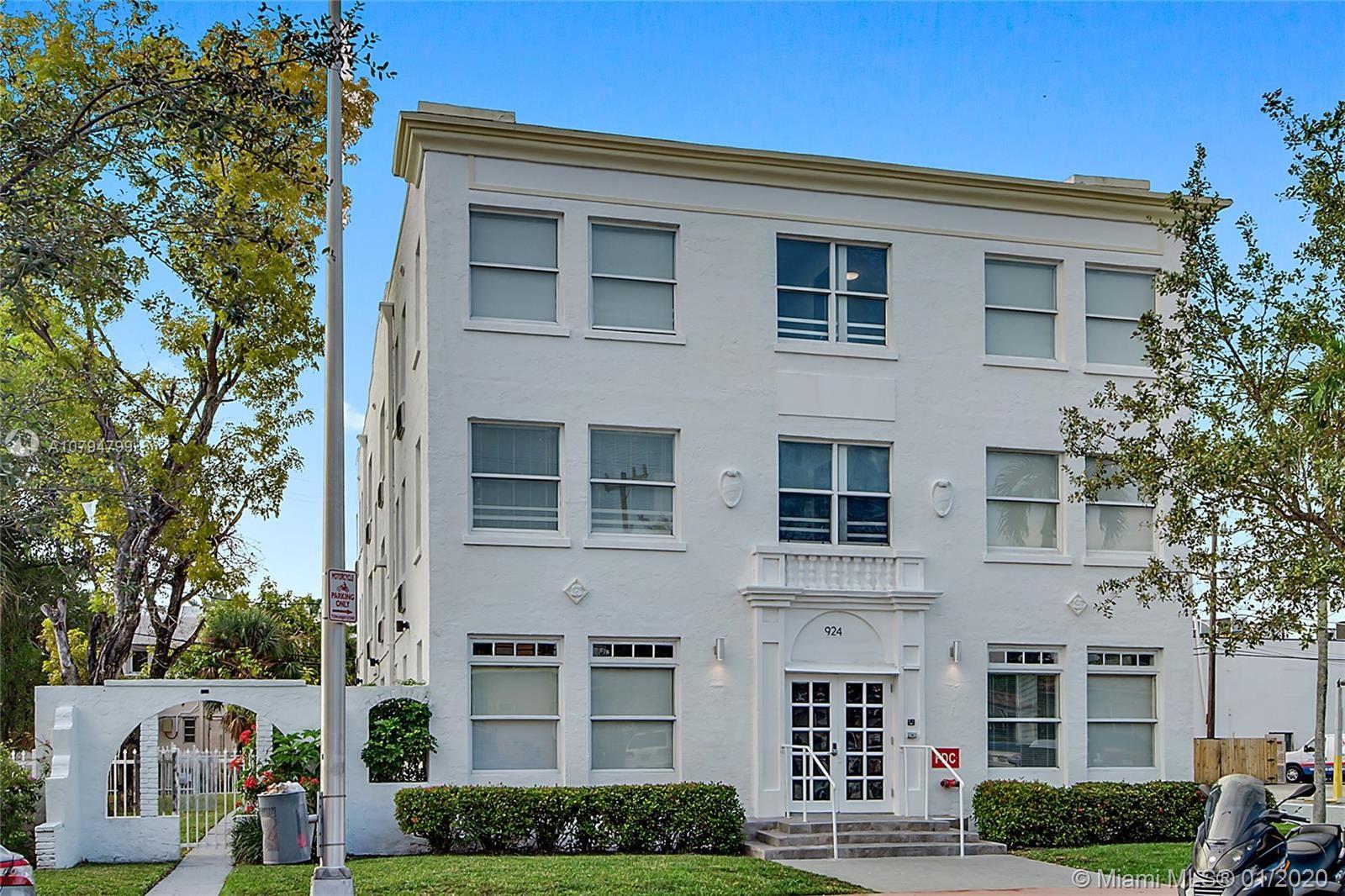 924  Marseille Dr, Miami Beach, FL 33141