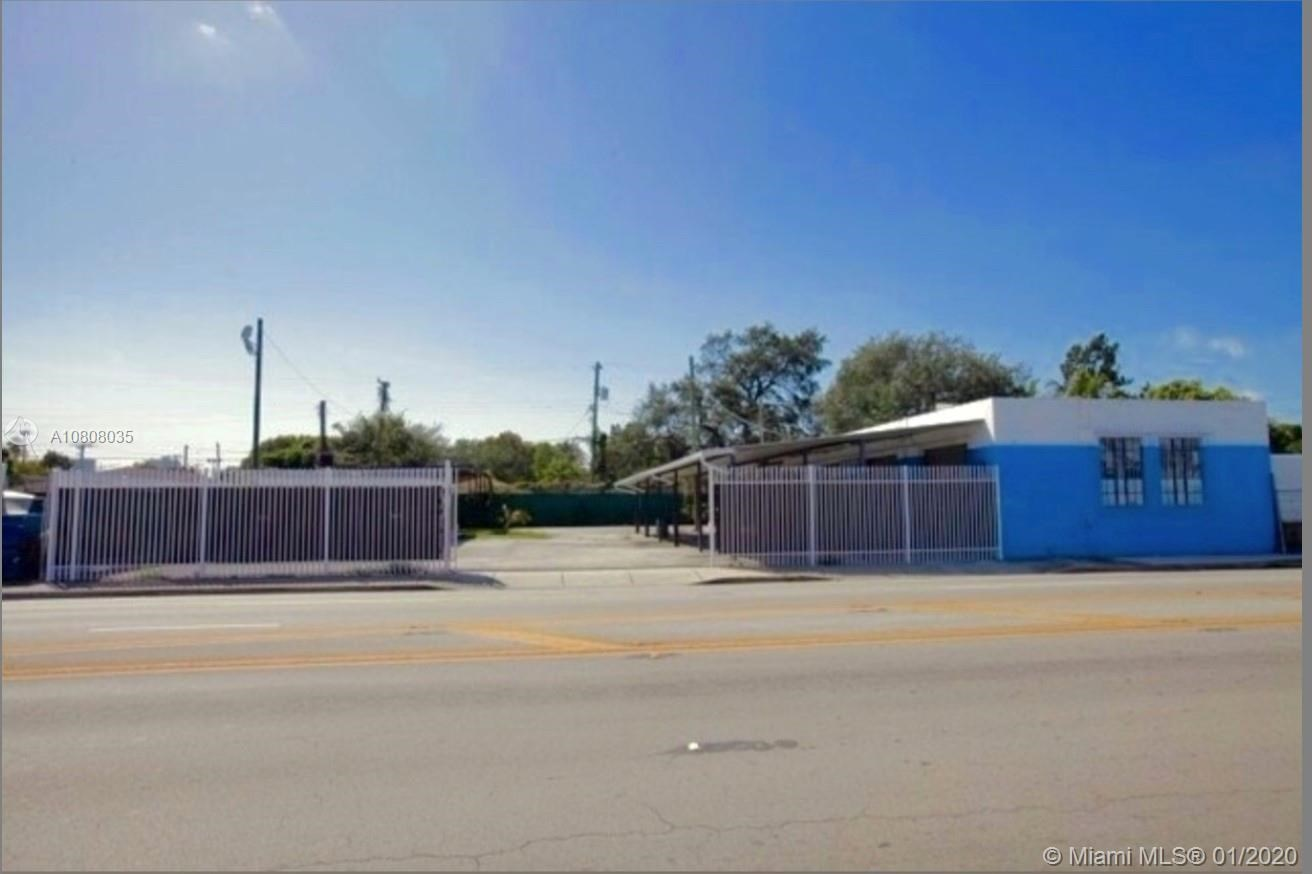 240 NW 54th St, Miami, FL 33127