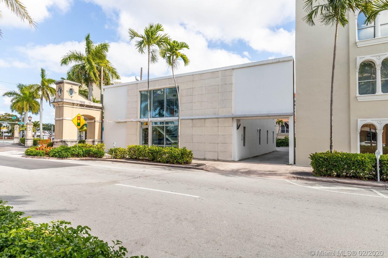 811  Ponce De Leon Blvd, Coral Gables, FL 33134