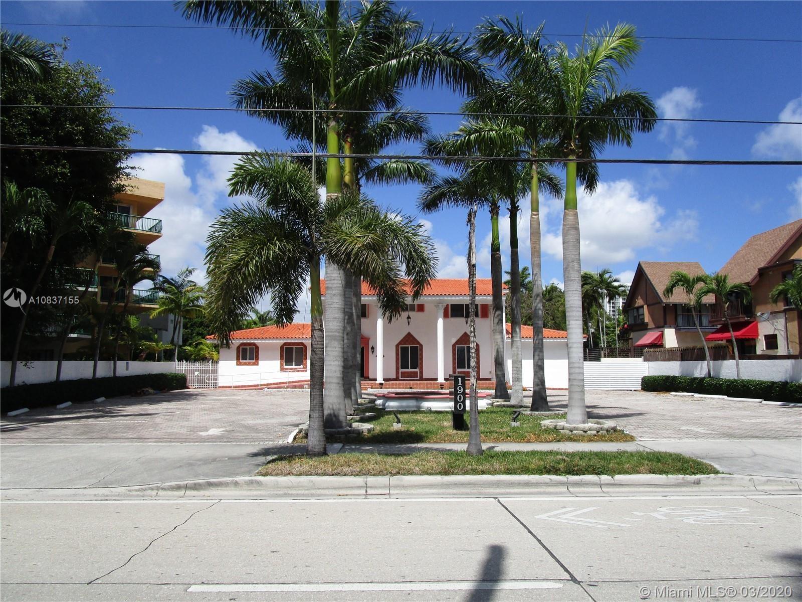 1900  Brickell Ave, Miami, FL 33129