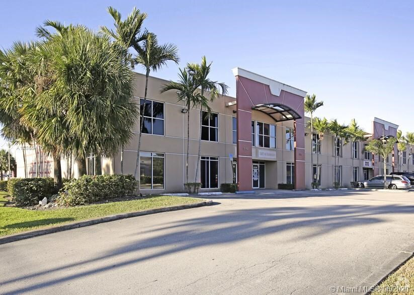 8352 NW 30th Ter, Doral, FL 33122