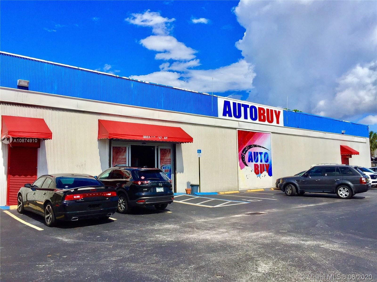 2001 NW 167 ST, Miami, FL 33056