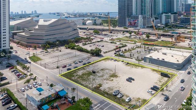 1361 NE 1st Ave, Miami, FL 33132