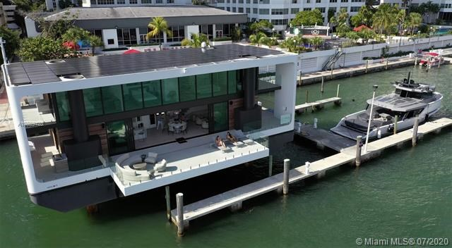 890  Brickell Key Dr, Miami, FL 33131
