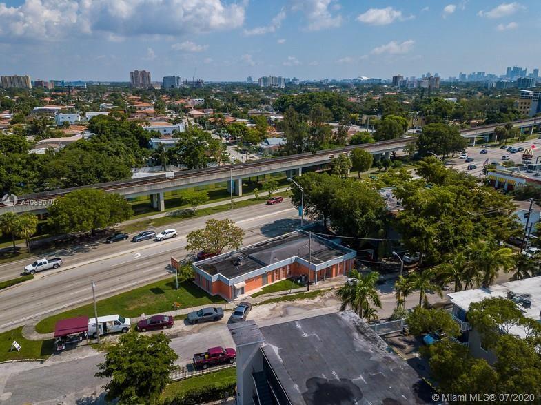 3250 S Dixie Hwy, Miami, FL 33133