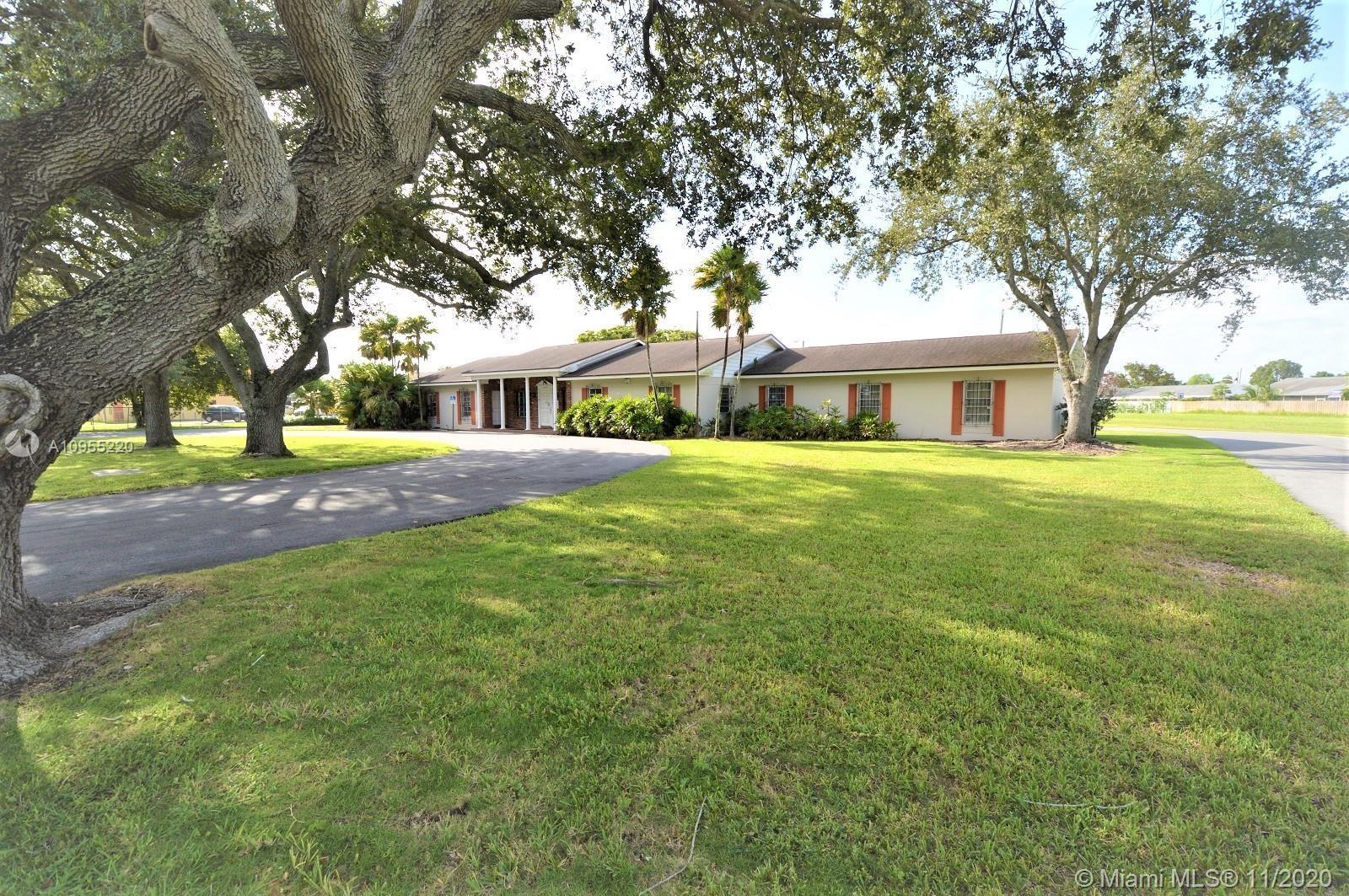 30010 S Dixie Hwy, Homestead, FL 33033