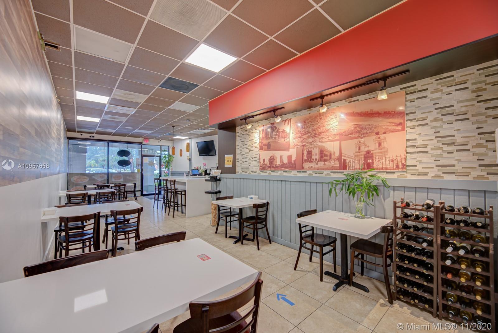 Restaurant  8 st, Miami, FL 33184