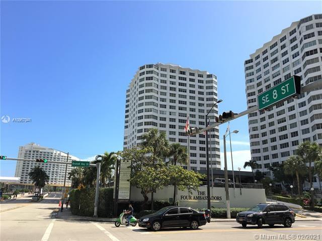 801  Brickell Bay Dr, Miami, FL 33131
