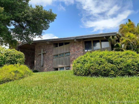 9025 SW 72nd St, Miami, FL 33173