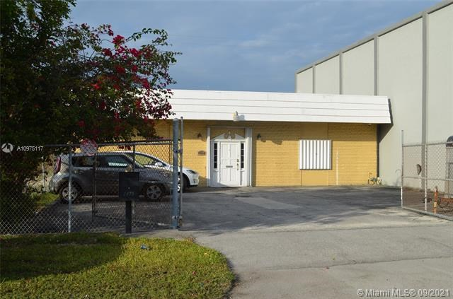 1875 NE 149th St, North Miami, FL 33181