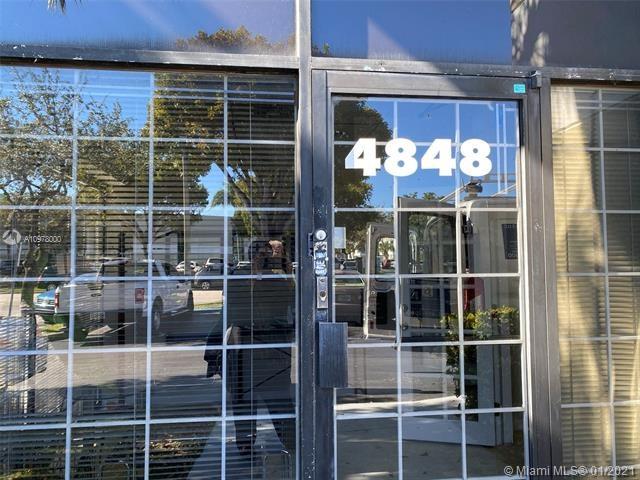4848 SW 74th Ct, Miami, FL 33155