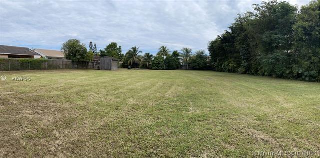 6925 SW 90TH CT, Miami, FL 33173