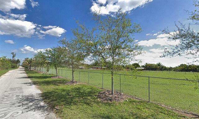 150xx SW 199 AV, Miami, FL 33196