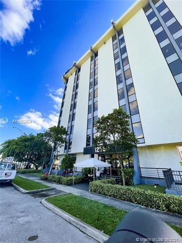 12550  Biscayne Blvd, North Miami, FL 33181