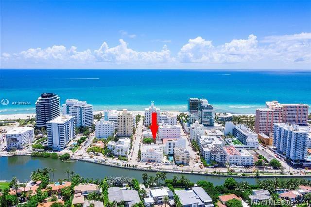 220  31st St, Miami Beach, FL 33140