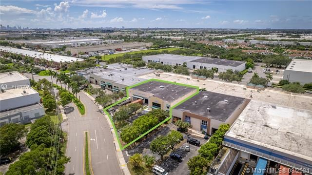 8500 NW 30th Ter, Doral, FL 33122