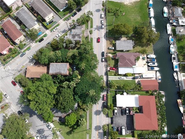 921 NW 8th Street Rd, Miami, FL 33136