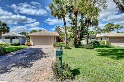 32 Glens Drive E, Boynton Beach, FL 33436 - #: RX-10476173