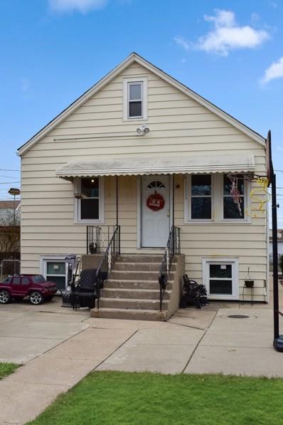 5611 S Karlov Avenue, Chicago, IL 60629 - #: 09849446
