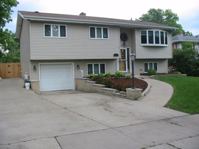 15 S Lodge Lane, Lombard, IL 60148 - #: 10019210