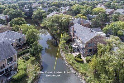 18 The Court Of Island, Northbrook, IL 60062 - #: 10090698
