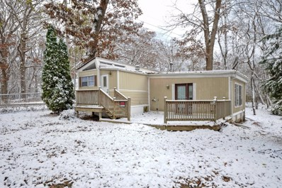 23 Captains Cove Lane, Lakemoor, IL 60051 - #: 10135054